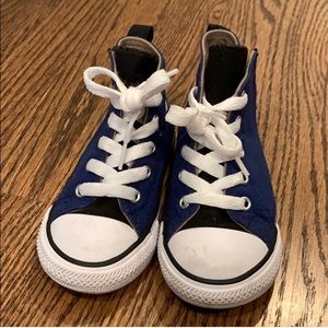 Converse sneakers size 8 toddler